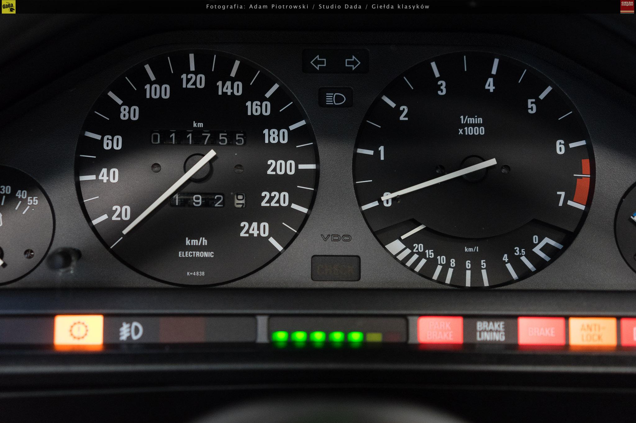 02-bmw-325i-cabrio-16.jpg