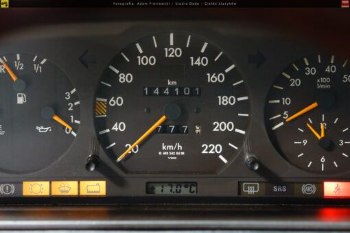 41-mercedes-g320-11