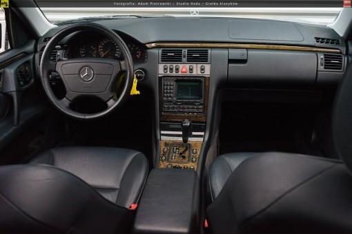 66-mercedes-e320-w210-03