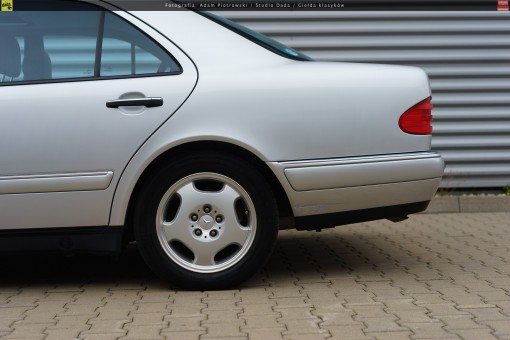 66-mercedes-e320-w210-38